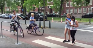 Raad en Daad Appen op de fiets
